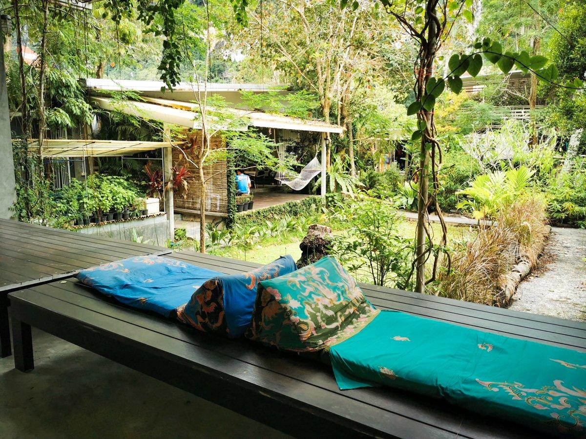 make a reservation glur hostel aonang